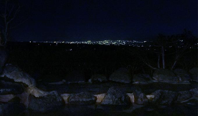 露店風呂からの眺め(夜)